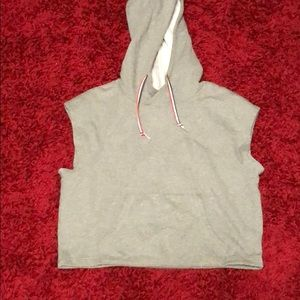 Hooded muscle sweater